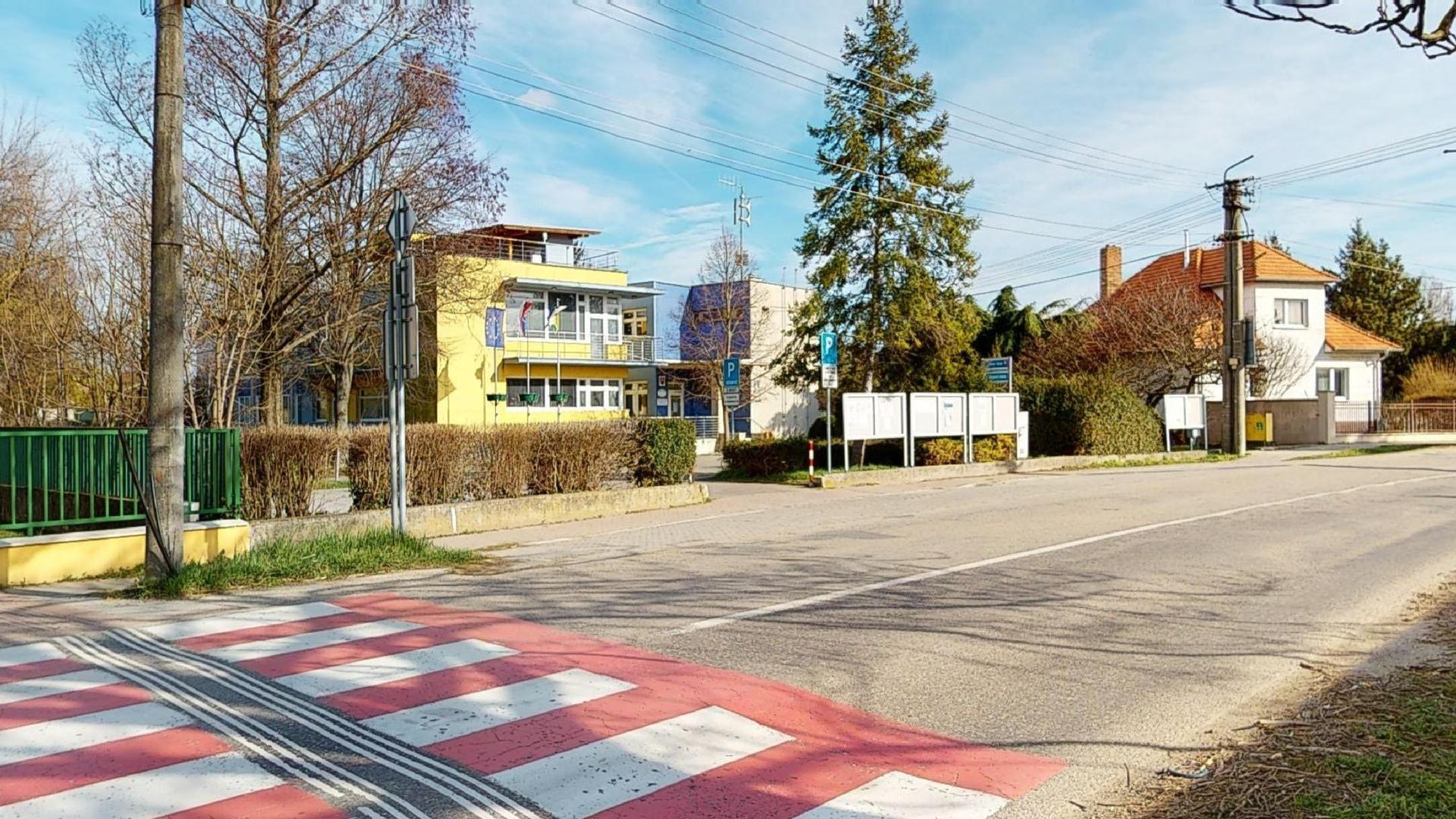 bývanie v Dunajskej Lužnej obecný úrad
