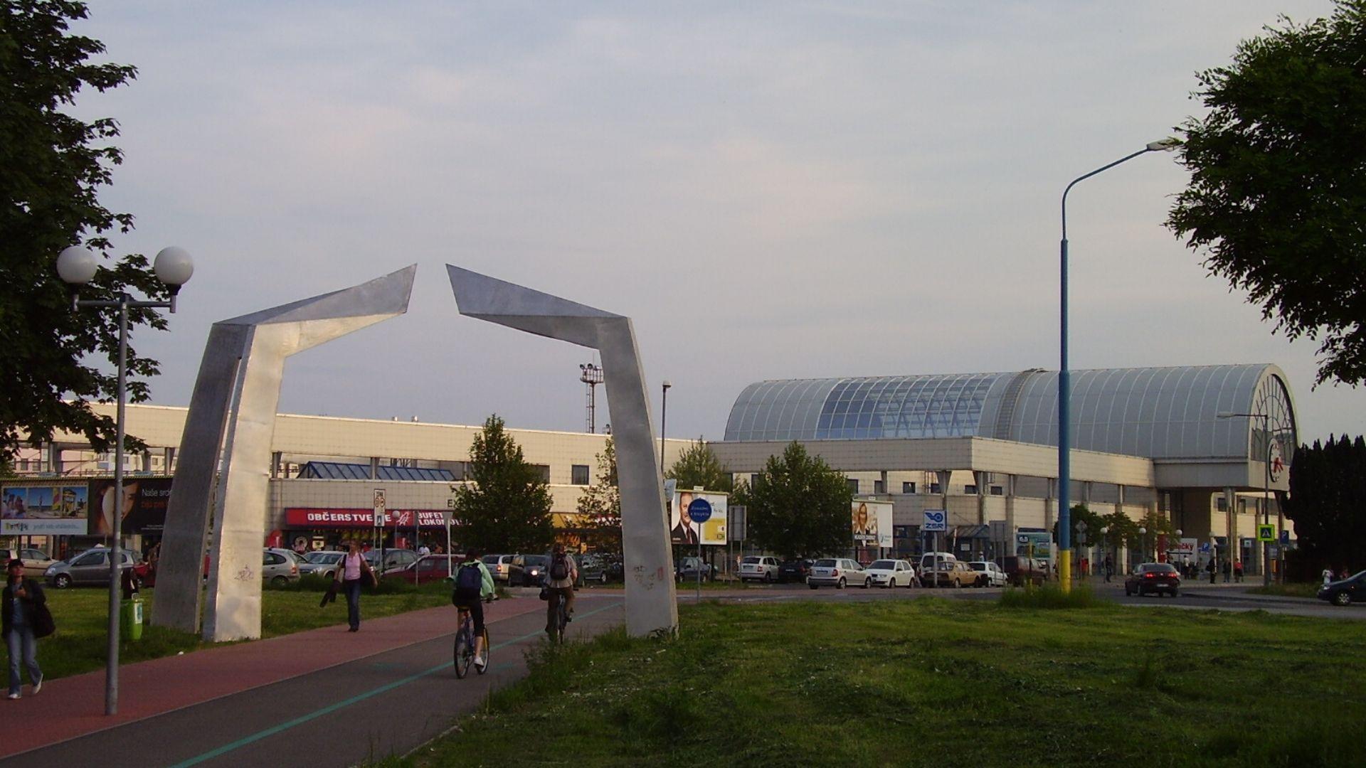 bývanie v Petržalke Západ Kopčany železničná stanica