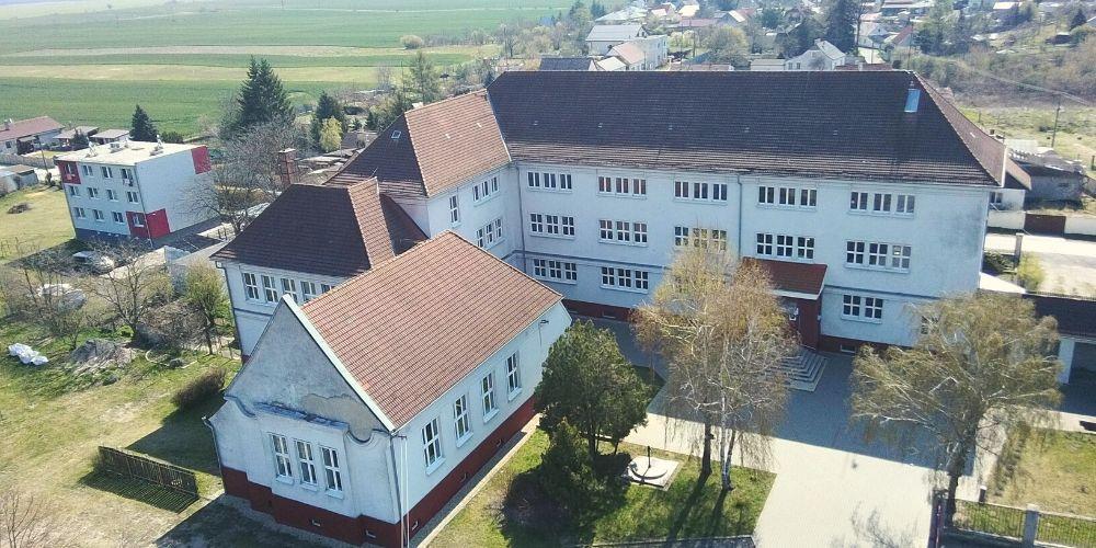 bývanie v Záhorskej Vsi základná škola