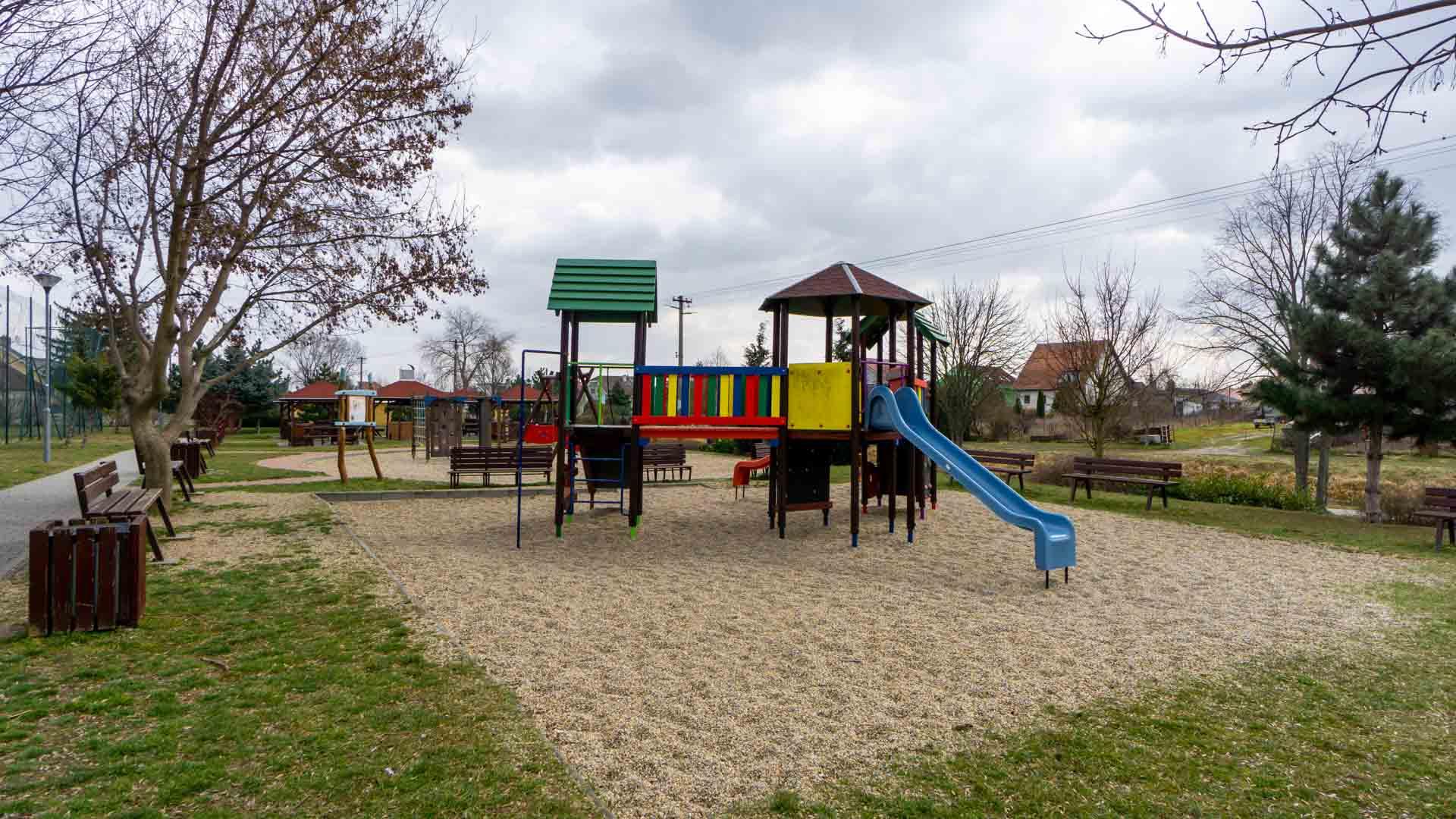 nova dedinka byvanie detske ihrisko