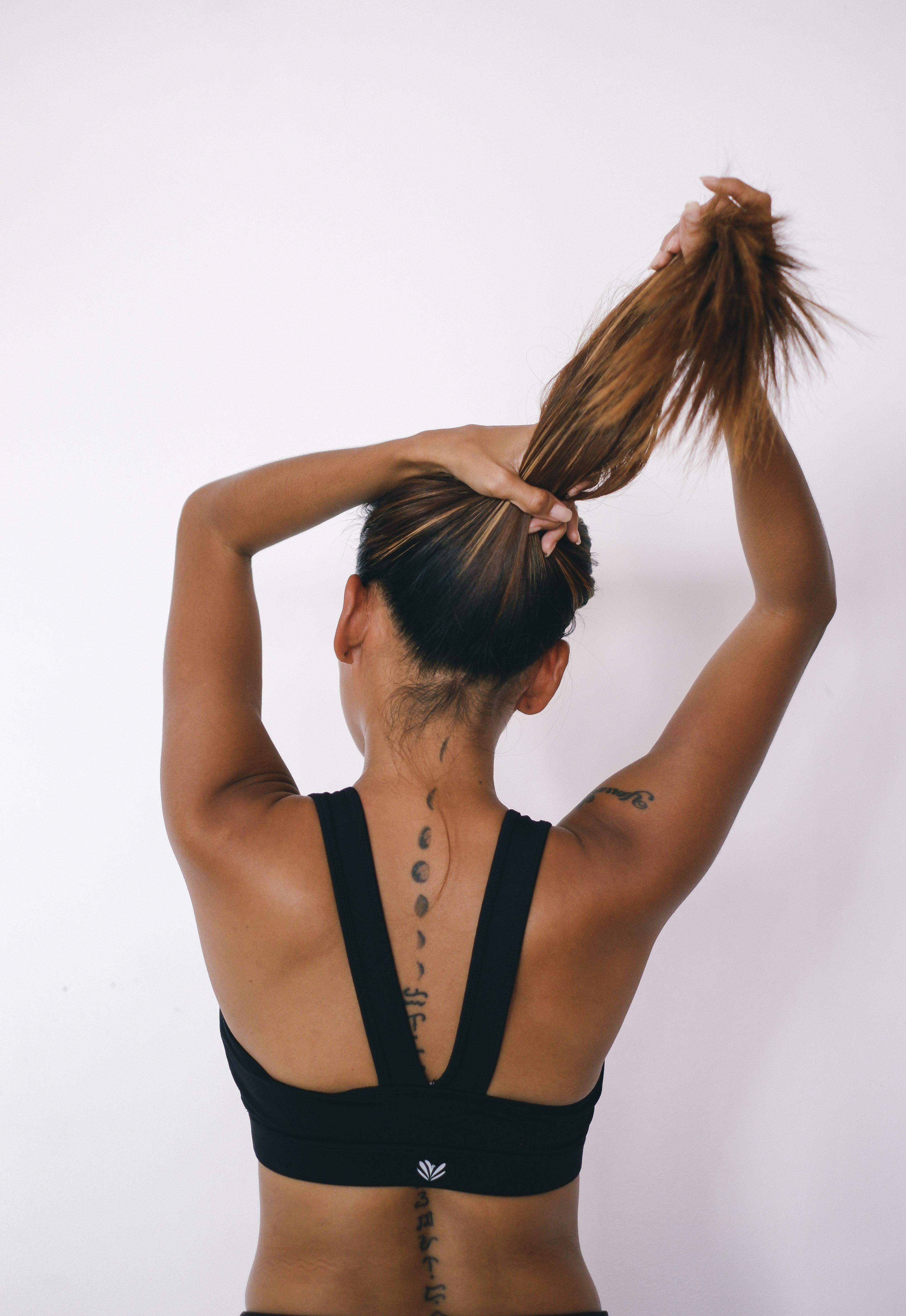 How to Low Ponytail Using Clip-In Extensions On Short Hair