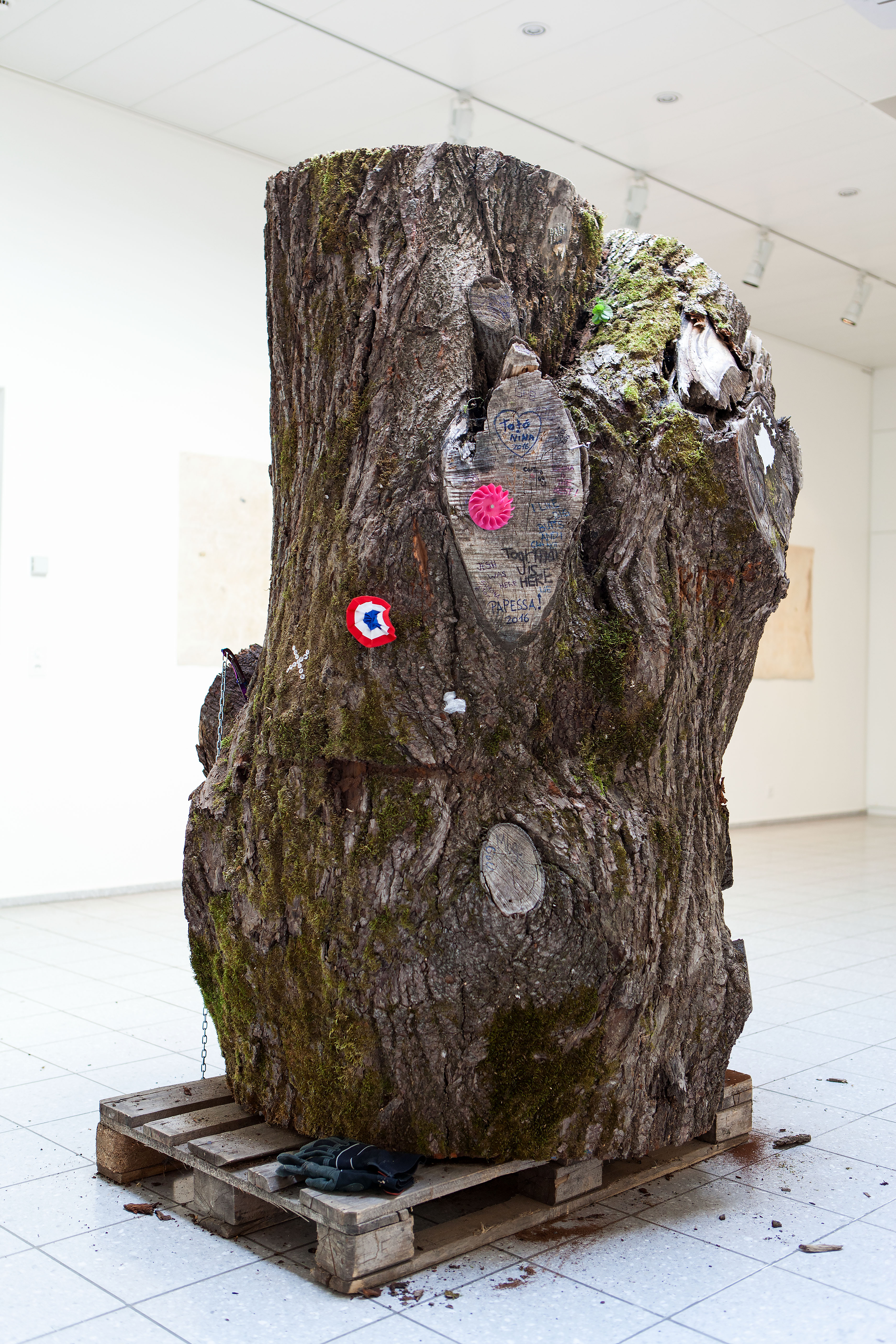 Untitled (Peace Tree Trunk) – leave a mark