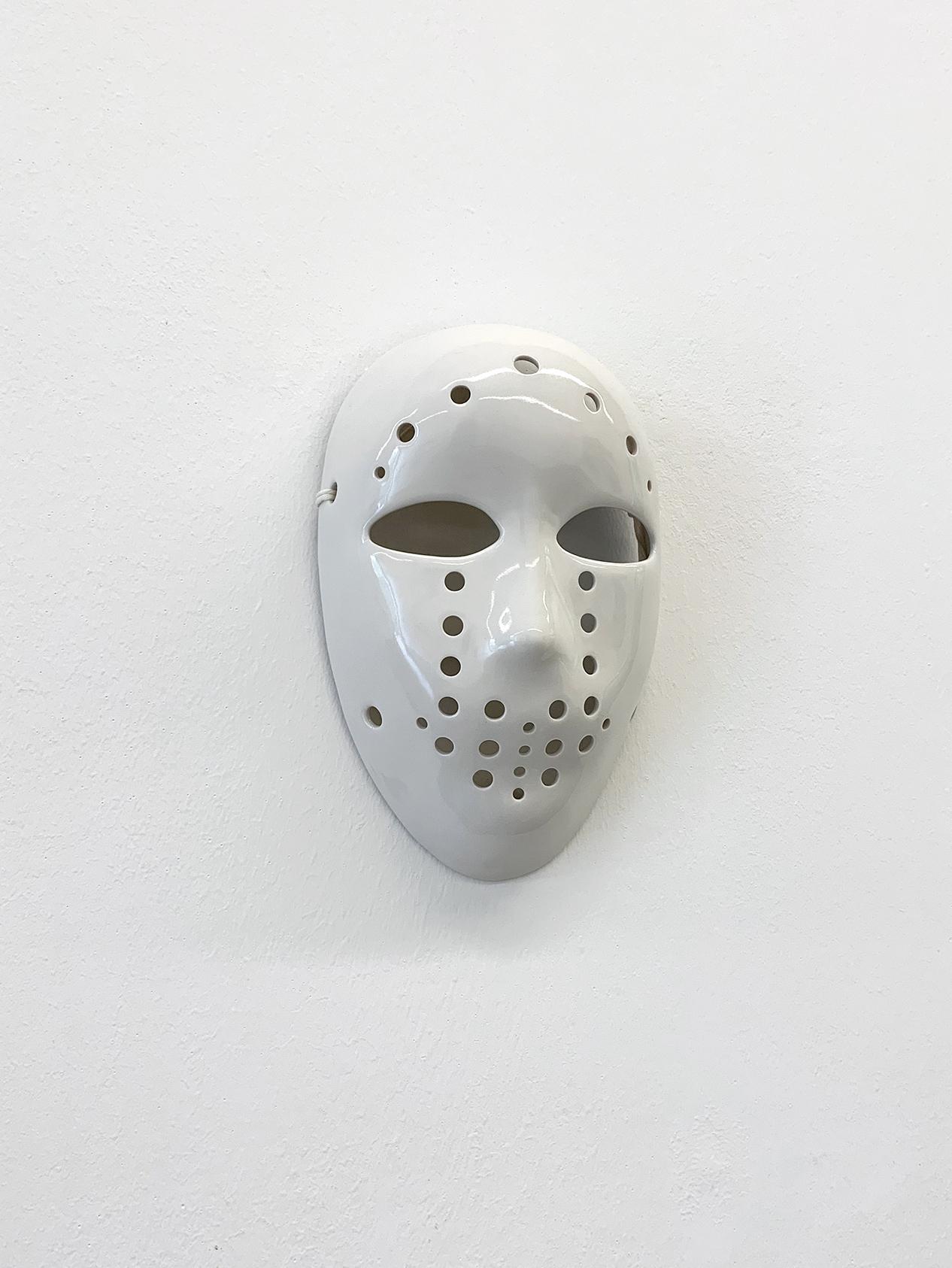 Mask (V)