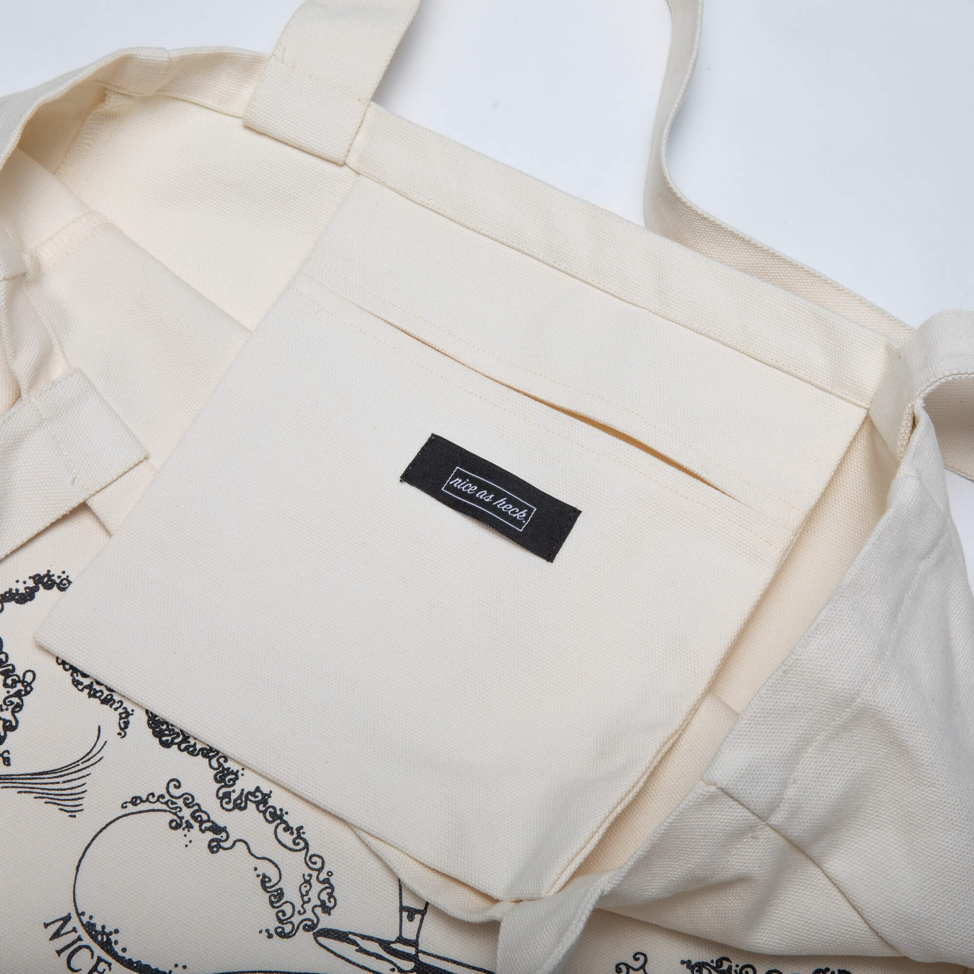 close up of the pocket inside the tote bag