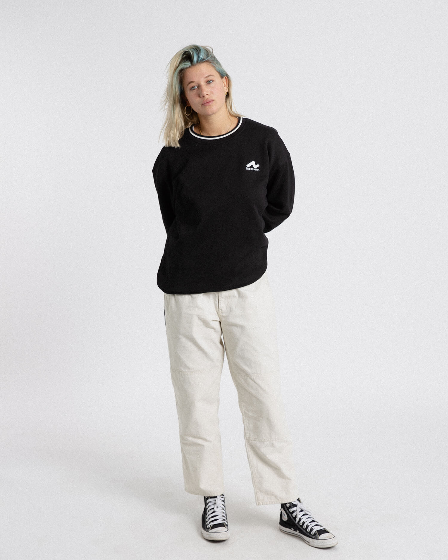 female model wearing the black campfire crewneck front view