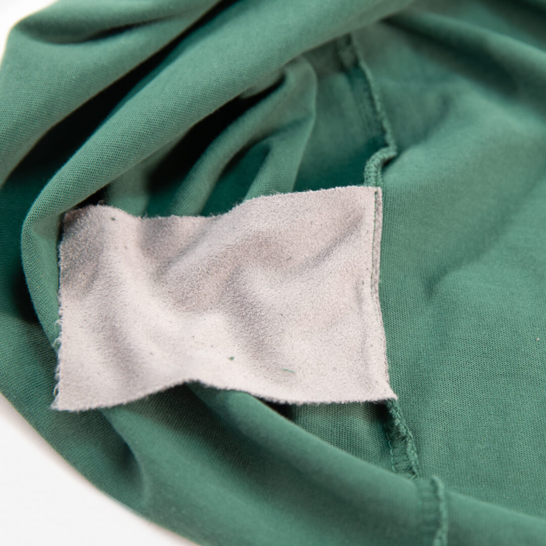 close up of the microfiber cloth for the green weekender tee