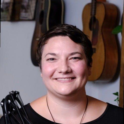 Julia Bianco Schoeffling Who Should You Follow On Twitter As An Entrepreneur?