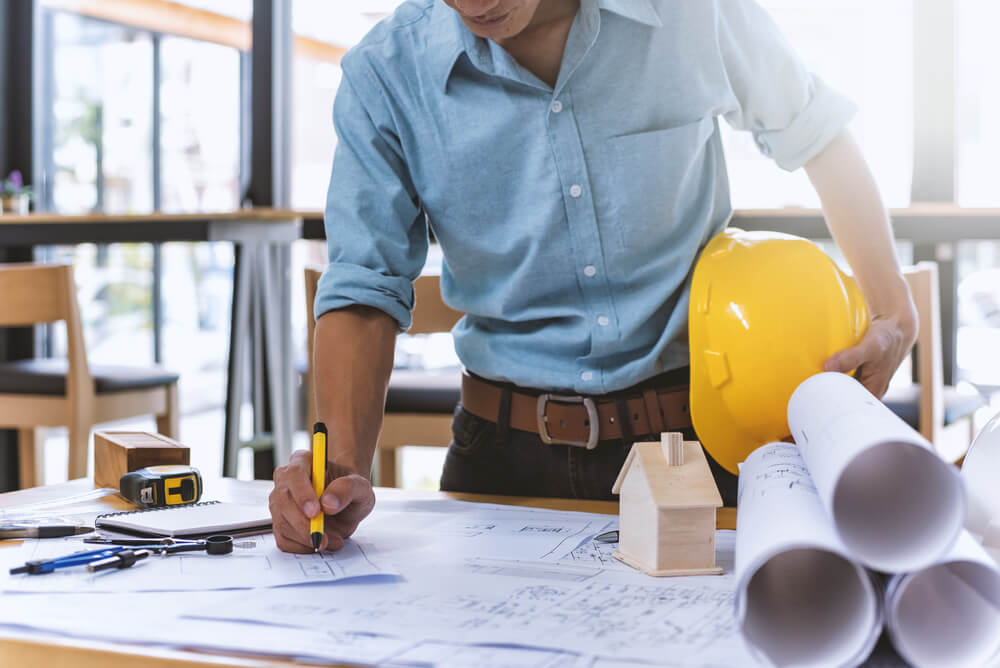 general contractor involved in construction bidding process