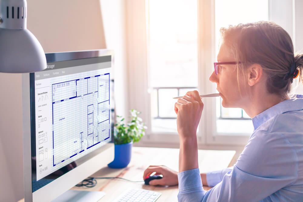 Estimator looking at bid estimating software