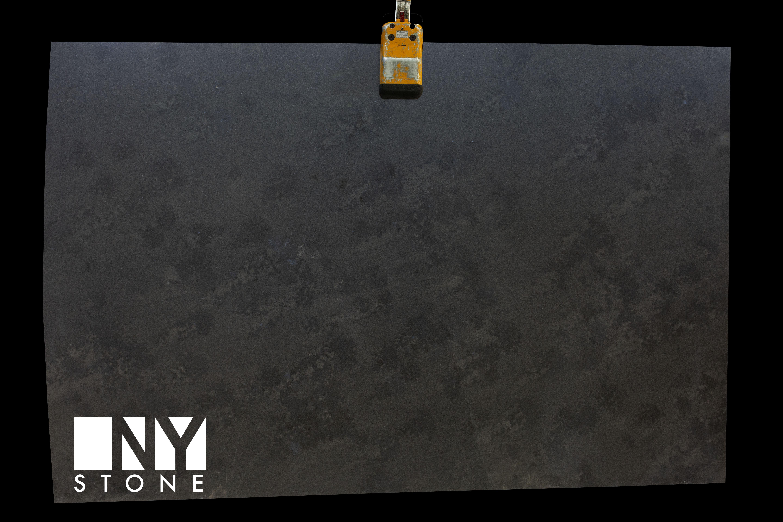 carbon black Quartzite