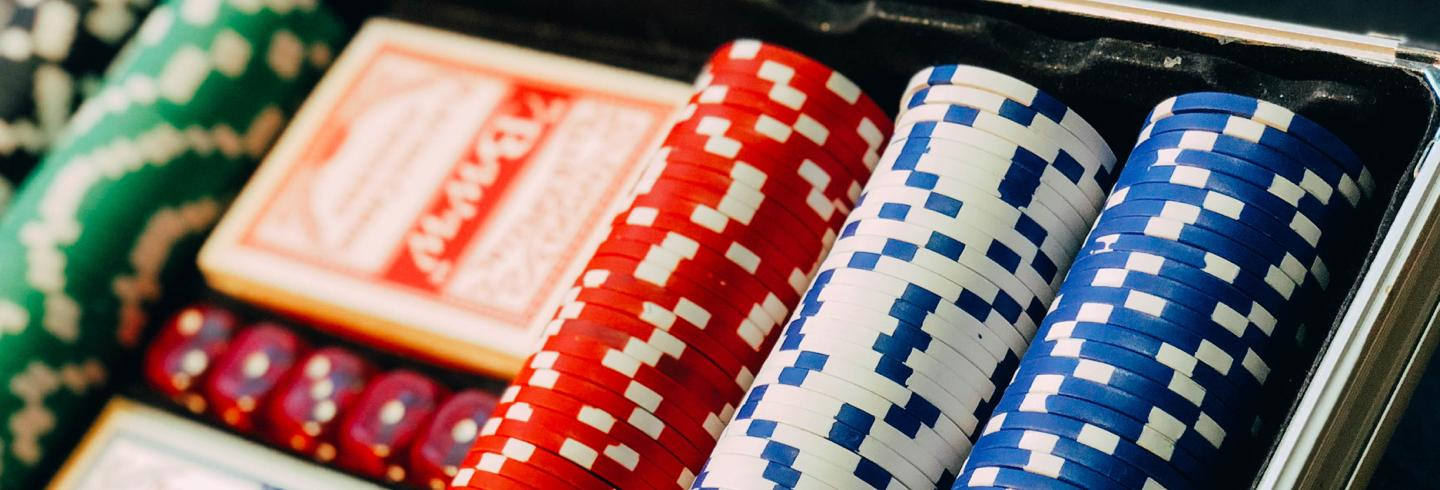 Tipico Header image, chips in casino