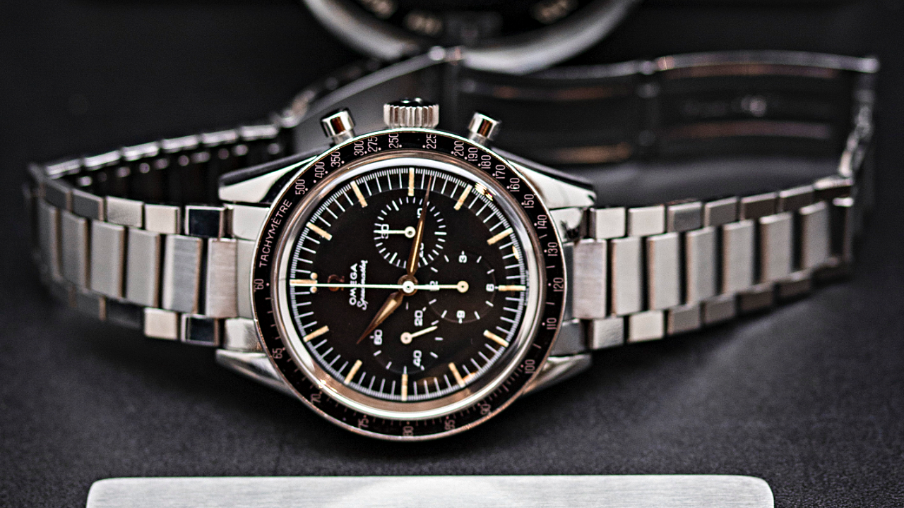 Omega Speedmaster avec un Watch Certificate Steel