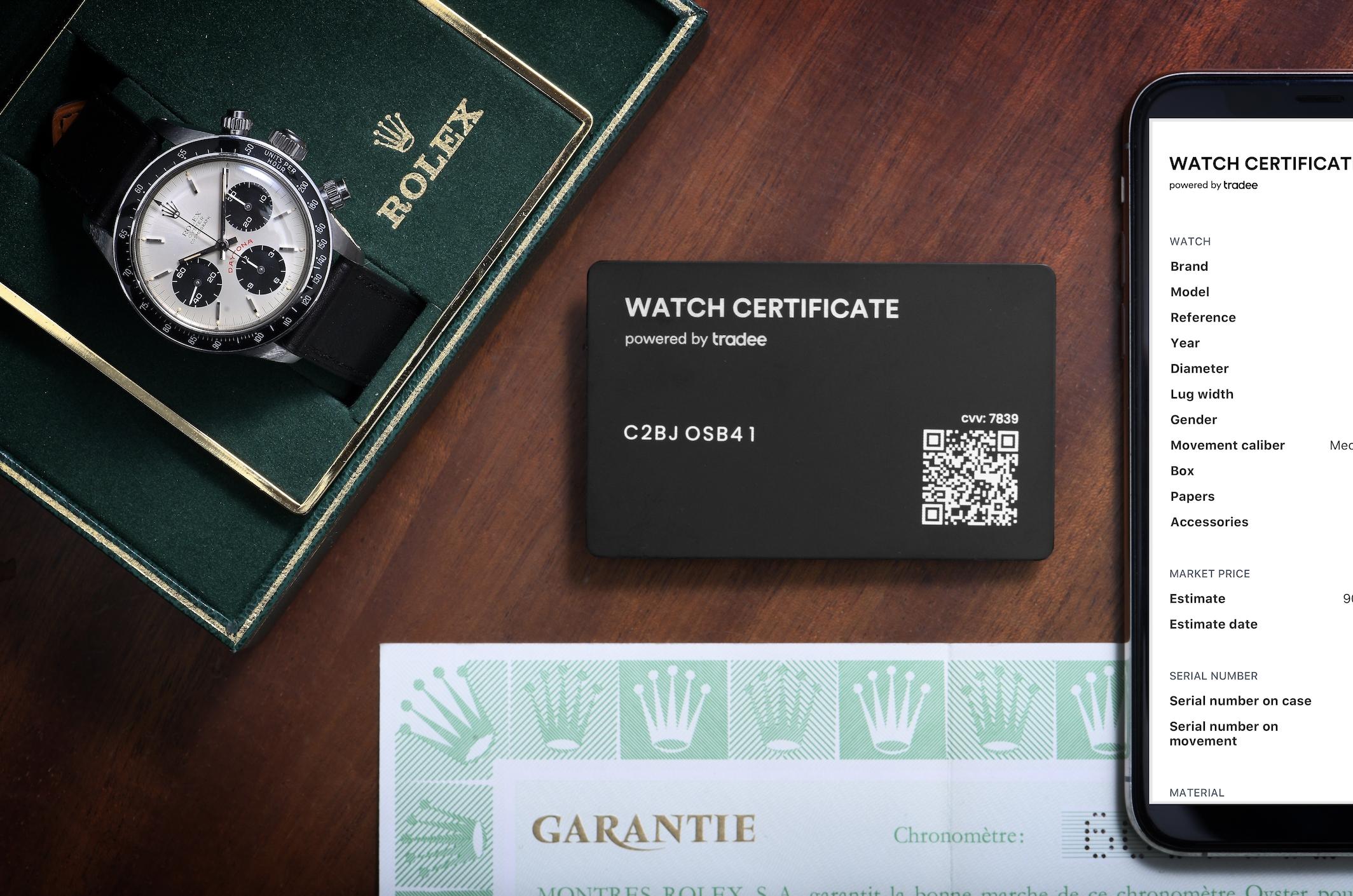 Rolex Daytona avec son Watch Certificate Black,  et son double numérique sur smartphone
