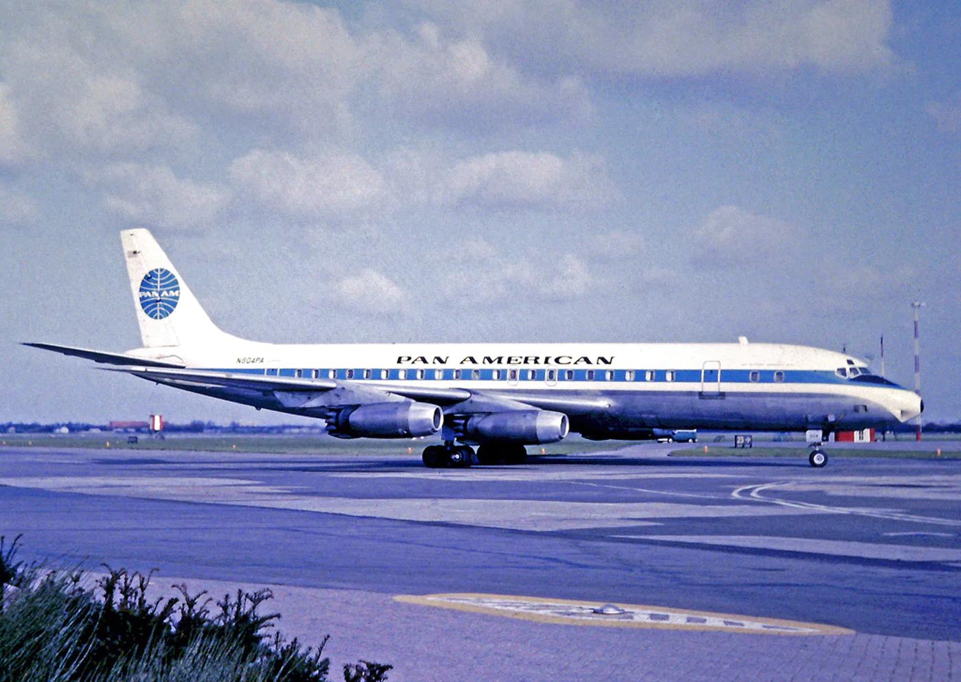 Avion de la Pan American Airlines, compagnie très populaire dans les années 50-60