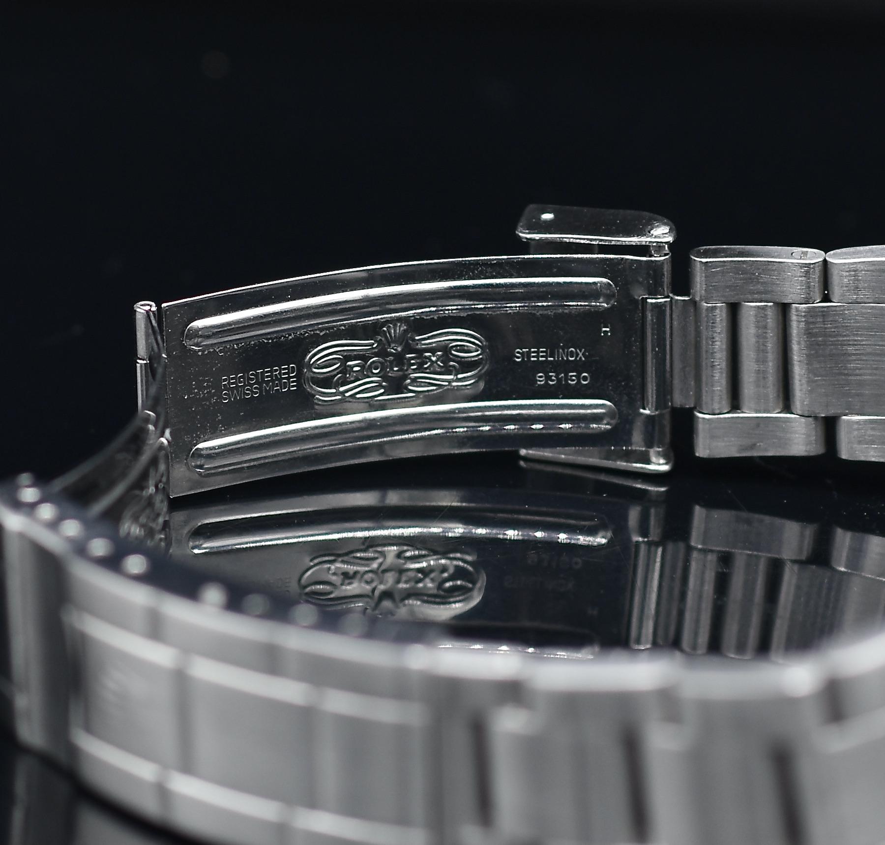 Photo de la boucle déployante d'une Rolex Submariner