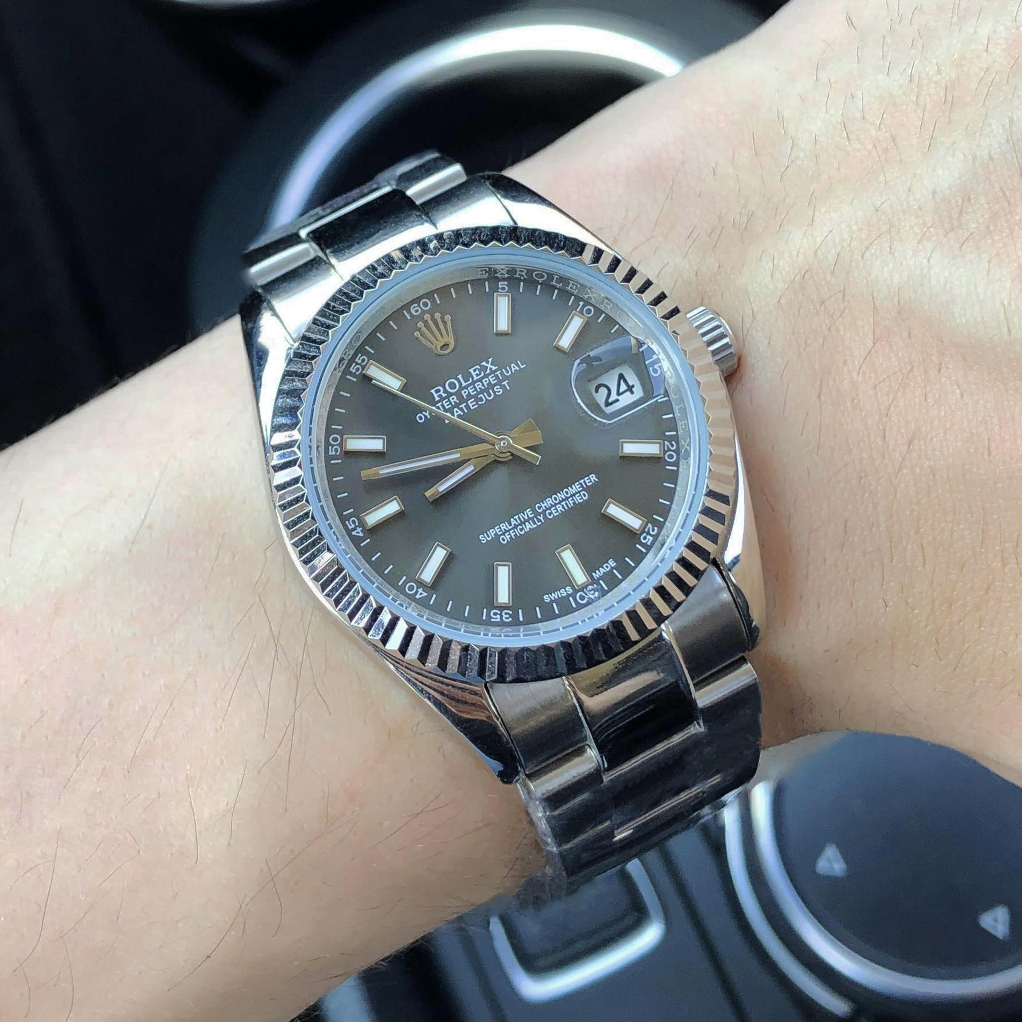 Photo d'une fausse Rolex Oyster Perpetual Datejust