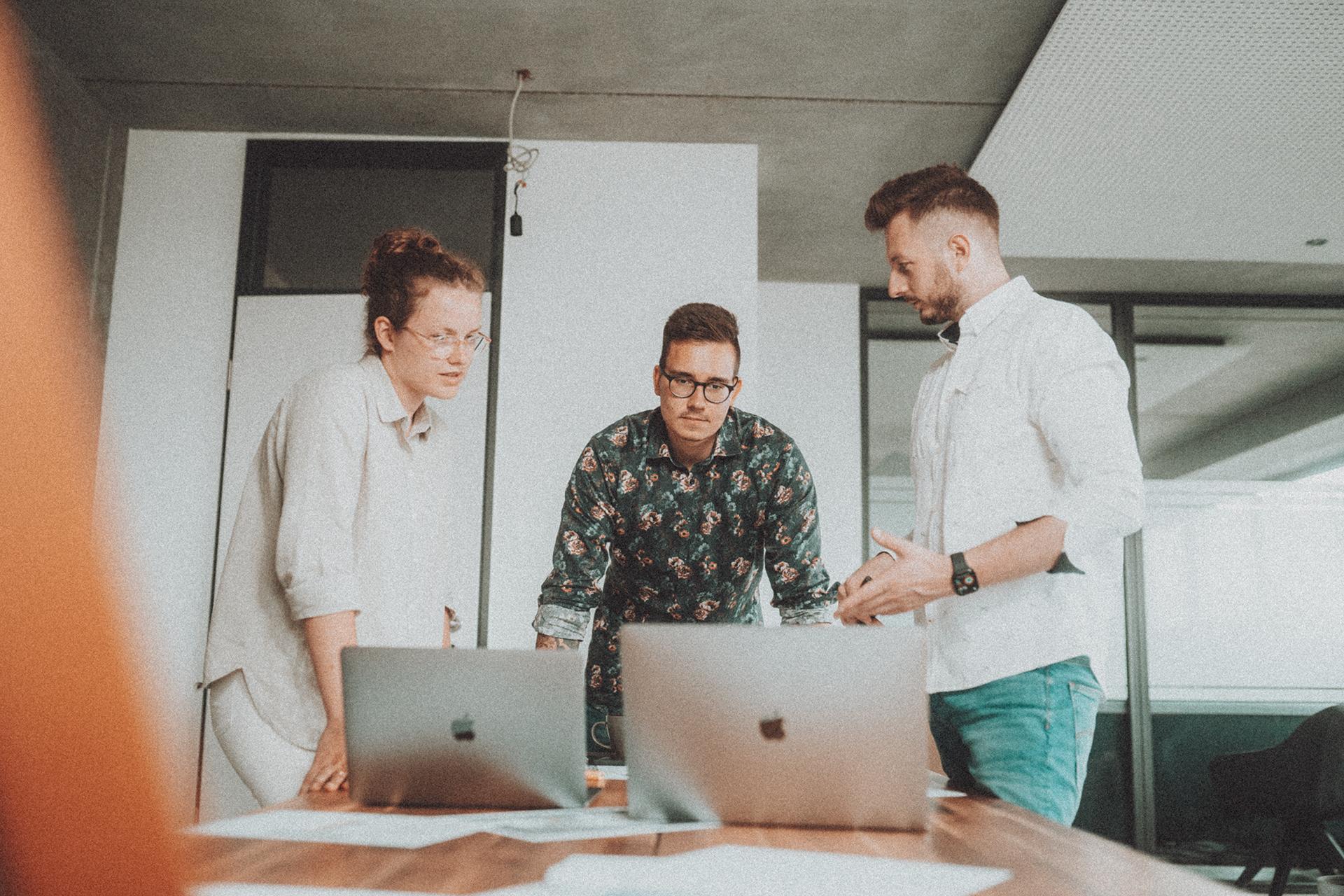 Erfolgreiche Webseiten erreichen Ziele und funktionieren wie Werkzeuge. Egal ob Landingpage, Website oder Webshop - Wir gestalten und entwickeln Ihren Online-Auftritt zielgruppengerecht und platzieren Ihr Angebot optimal im Web.