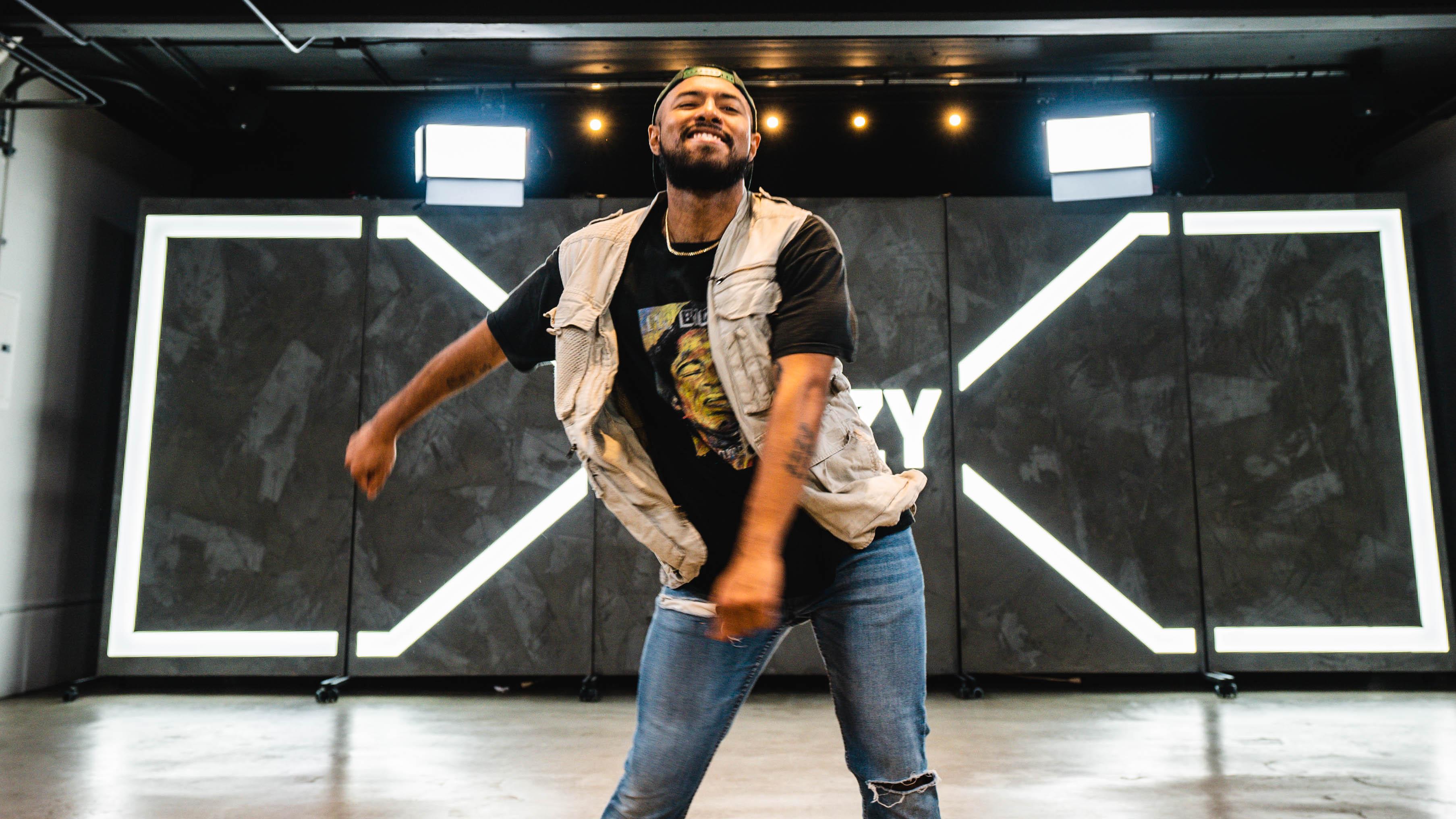 Brandon beastboi juezan doing the floss dance move