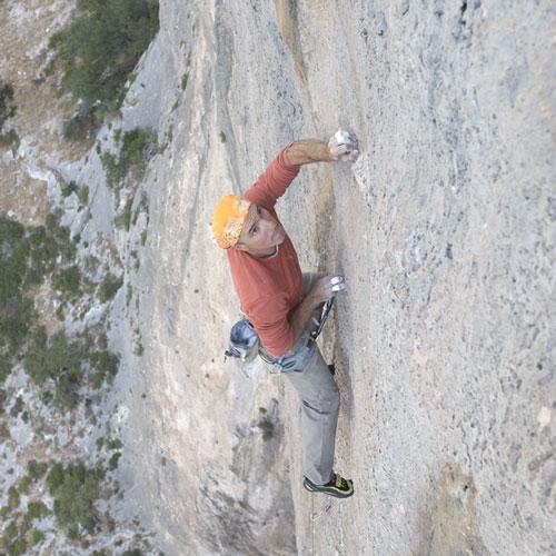Picutre ravvicinato di Roberto Vigiani che scala