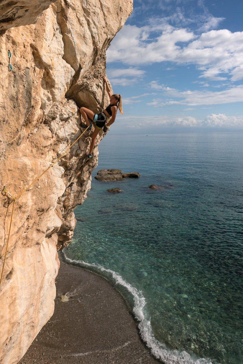 Sport climbing in Sicily near the sea