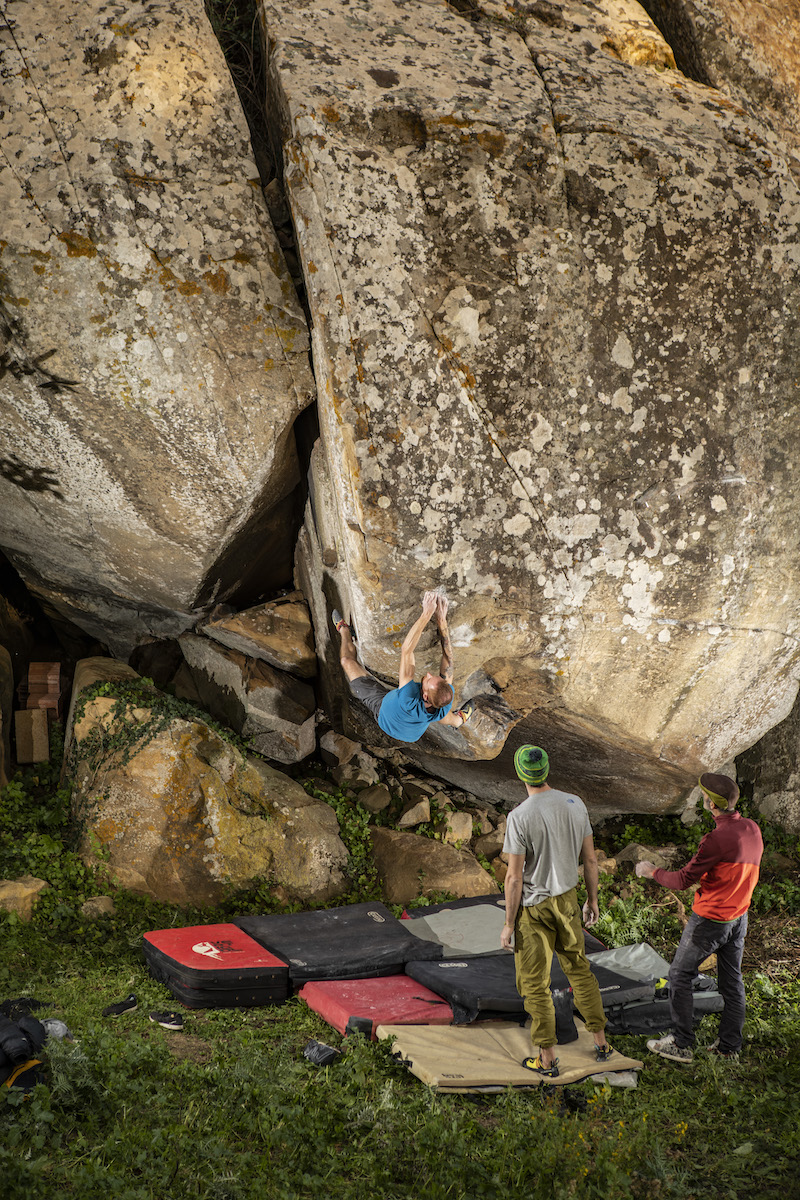 Bouldering in the Sorace Forest, Sicily