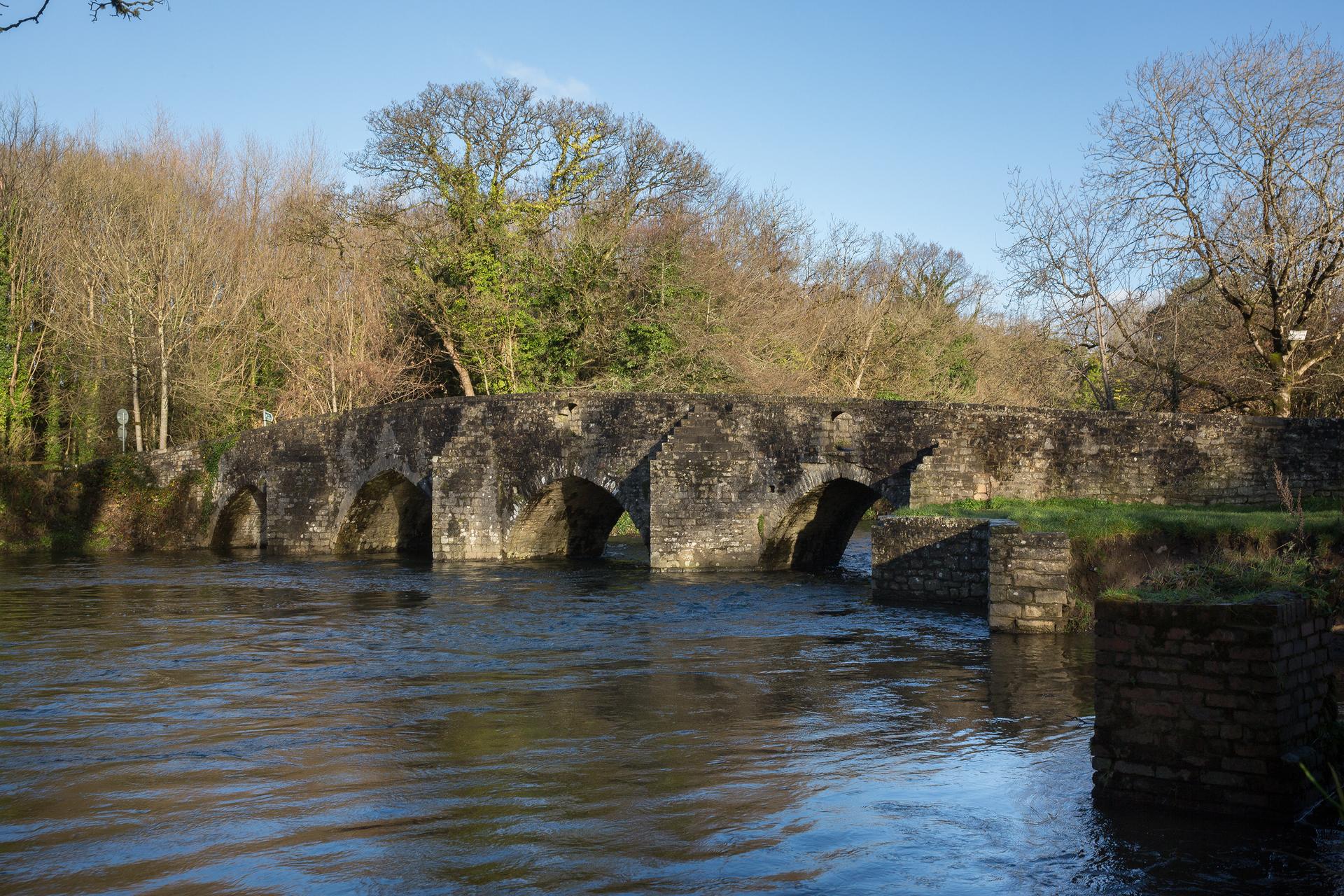 Dipping bridge Merthyr Mawr
