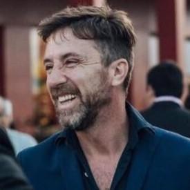 León Molina Photo