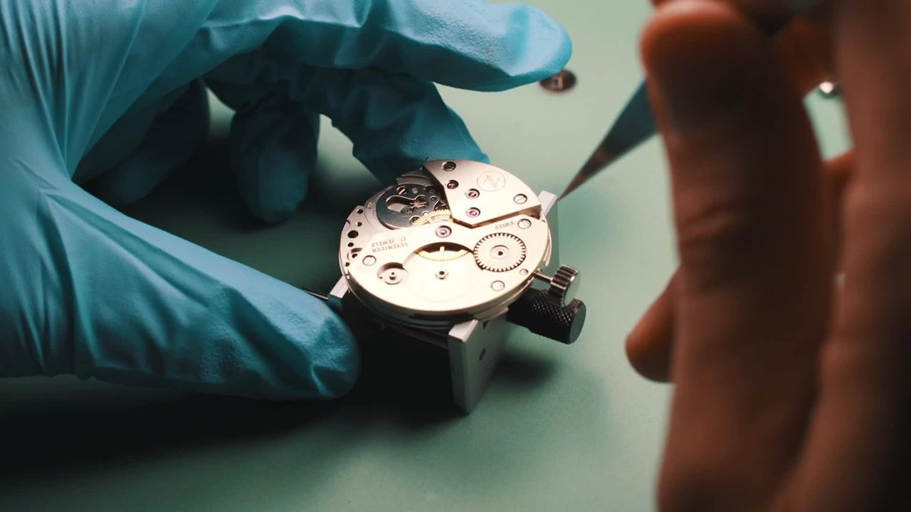 A novo watch being built