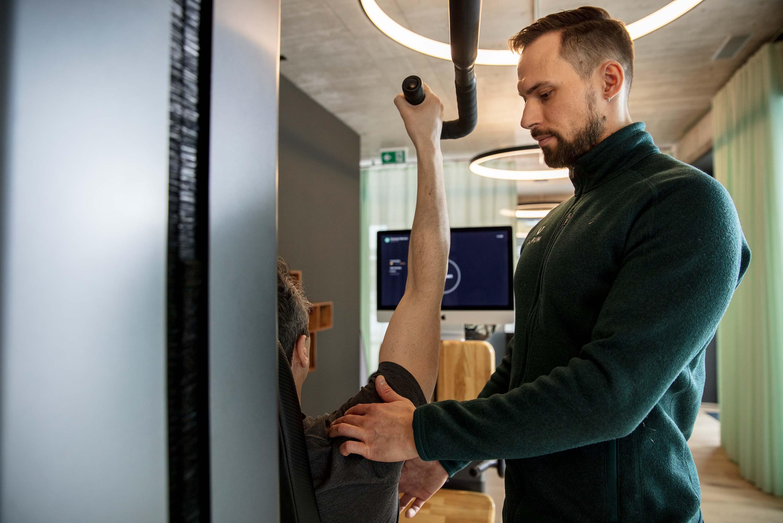 Mit AURUM trainieren Sie wie ein Athlet in einer 100% privaten Fitnessstudio Atmosphäre mit persönlichem Trainer
