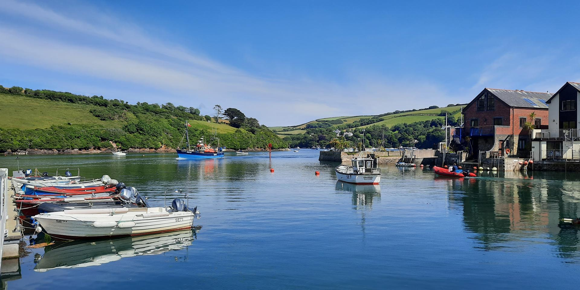Salcombe Crab-shop online now