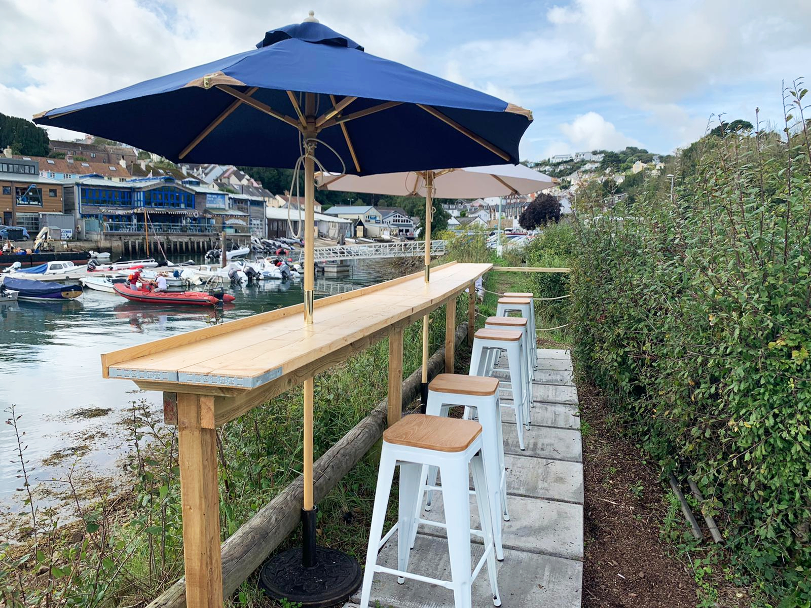Crab Shed Salcombe outdoor dining area