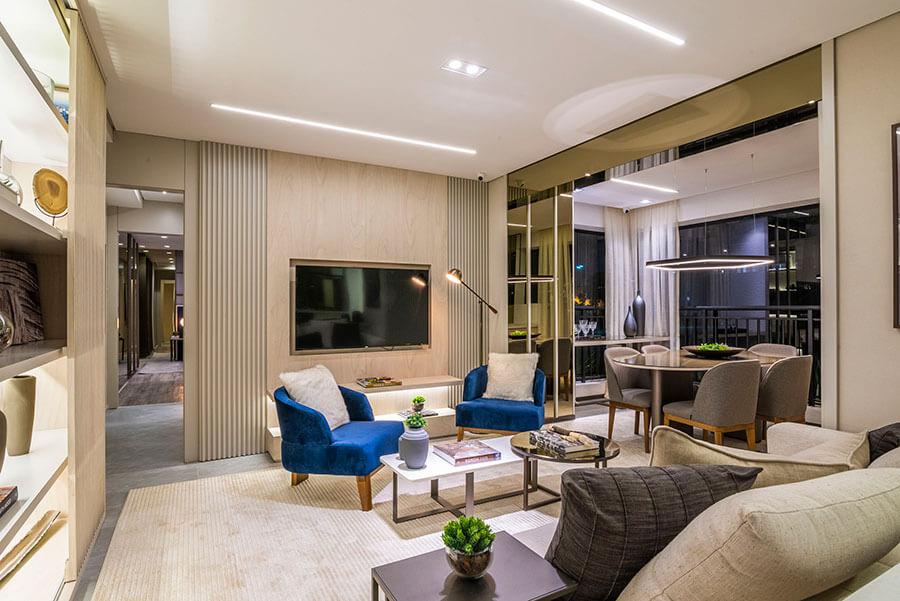 Sala de estar e sala de jantar do apartamento decorado de 82m² do Wonder by Praças da Cidade, um empreendimento da Lavvi Incorporadora.