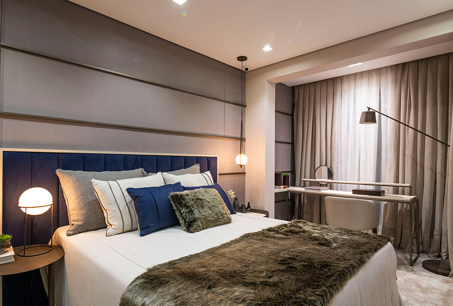 Quarto de casal do apartamento decorado de 82m² do Wonder by Praças da Cidade, um empreendimento da Lavvi Incorporadora.