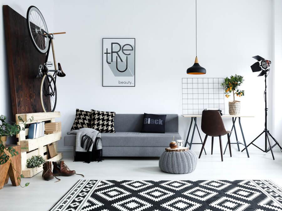 Ambientes iluminados dão a impressão de mais amplos. Abuse da iluminação para compor os cômodos do seu apartamento pequeno.