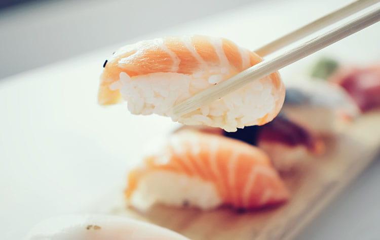 How to eat sushi properly