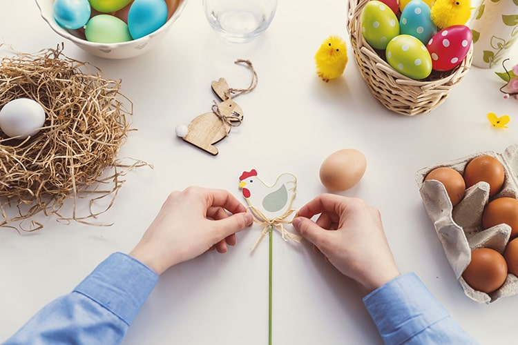 Brighten up your office with DIY Easter decorations