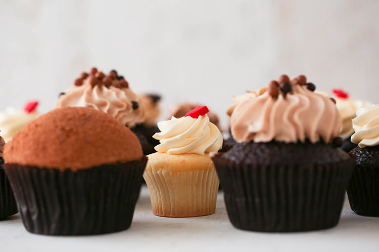 cheap and cheerful corporate catering ideas - cupcakes