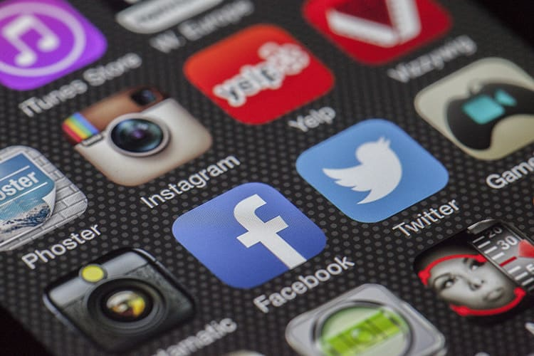 back to work tips - switch off your social media