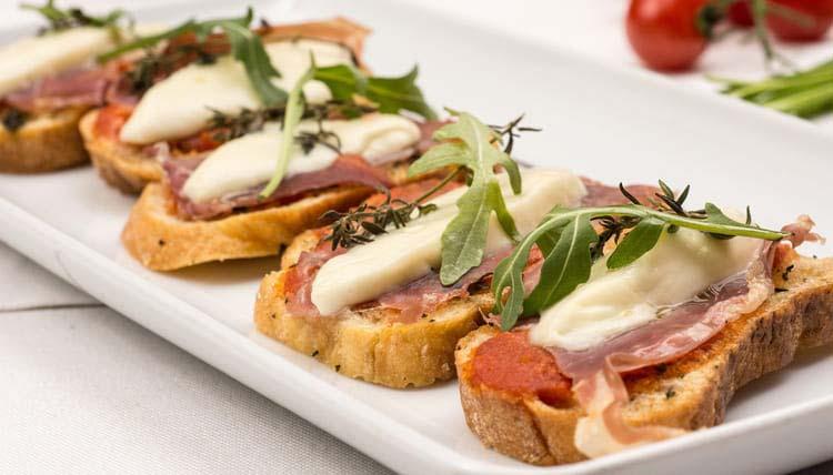 finger food - bruschetta