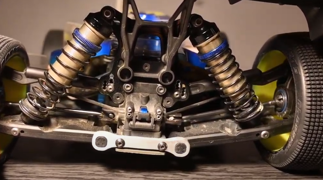 CVD/CVA vs Universal Joints - Choosing Driveshafts in Off-road RC Racing