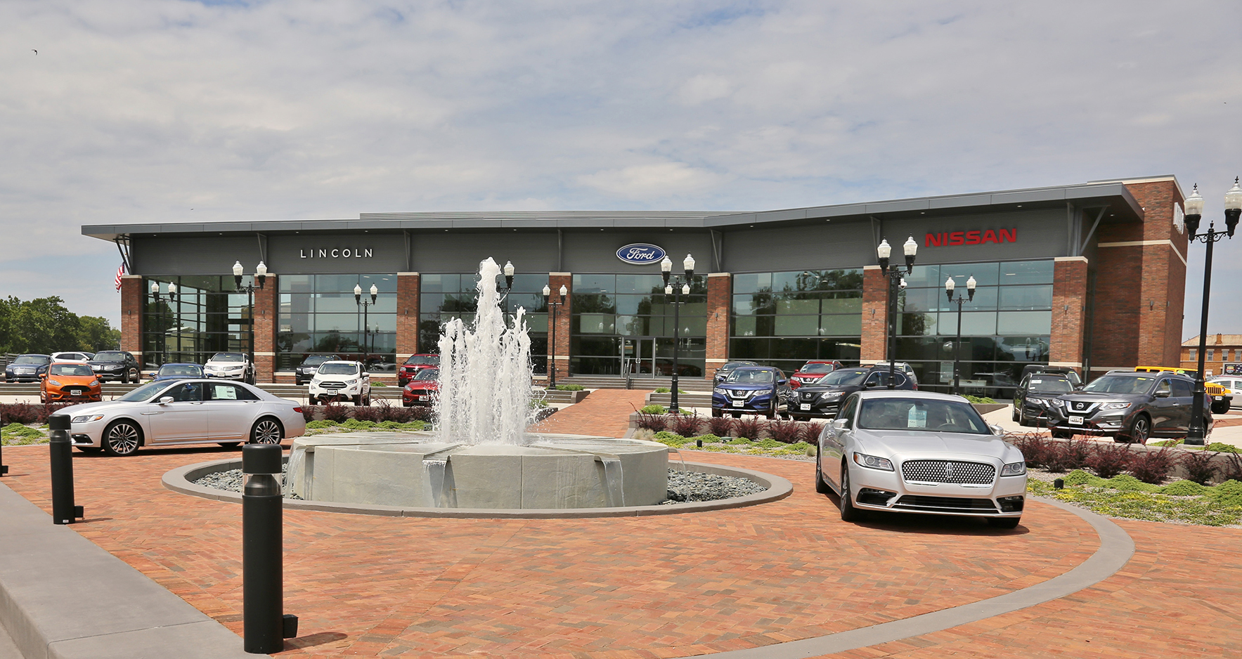 Dutro Ford Lincoln Nissan