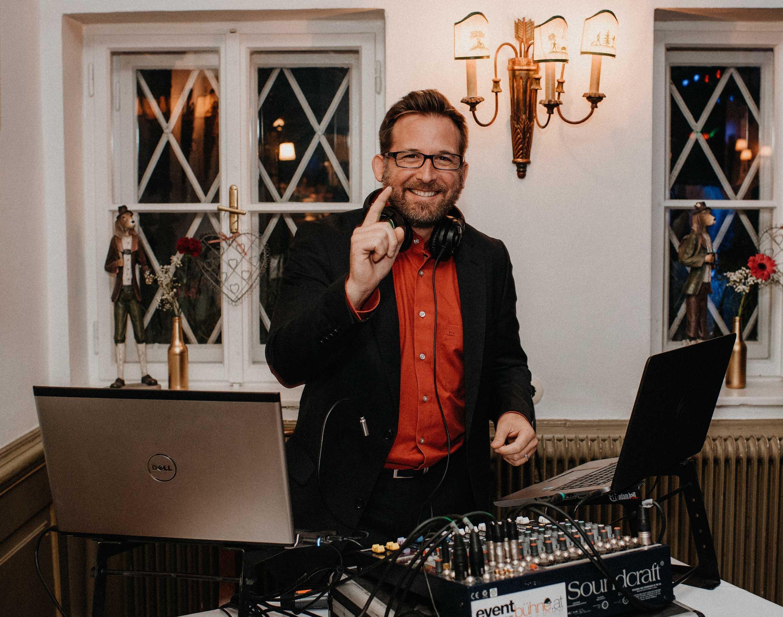 DJ Xris & Team | Hochzeits-DJ