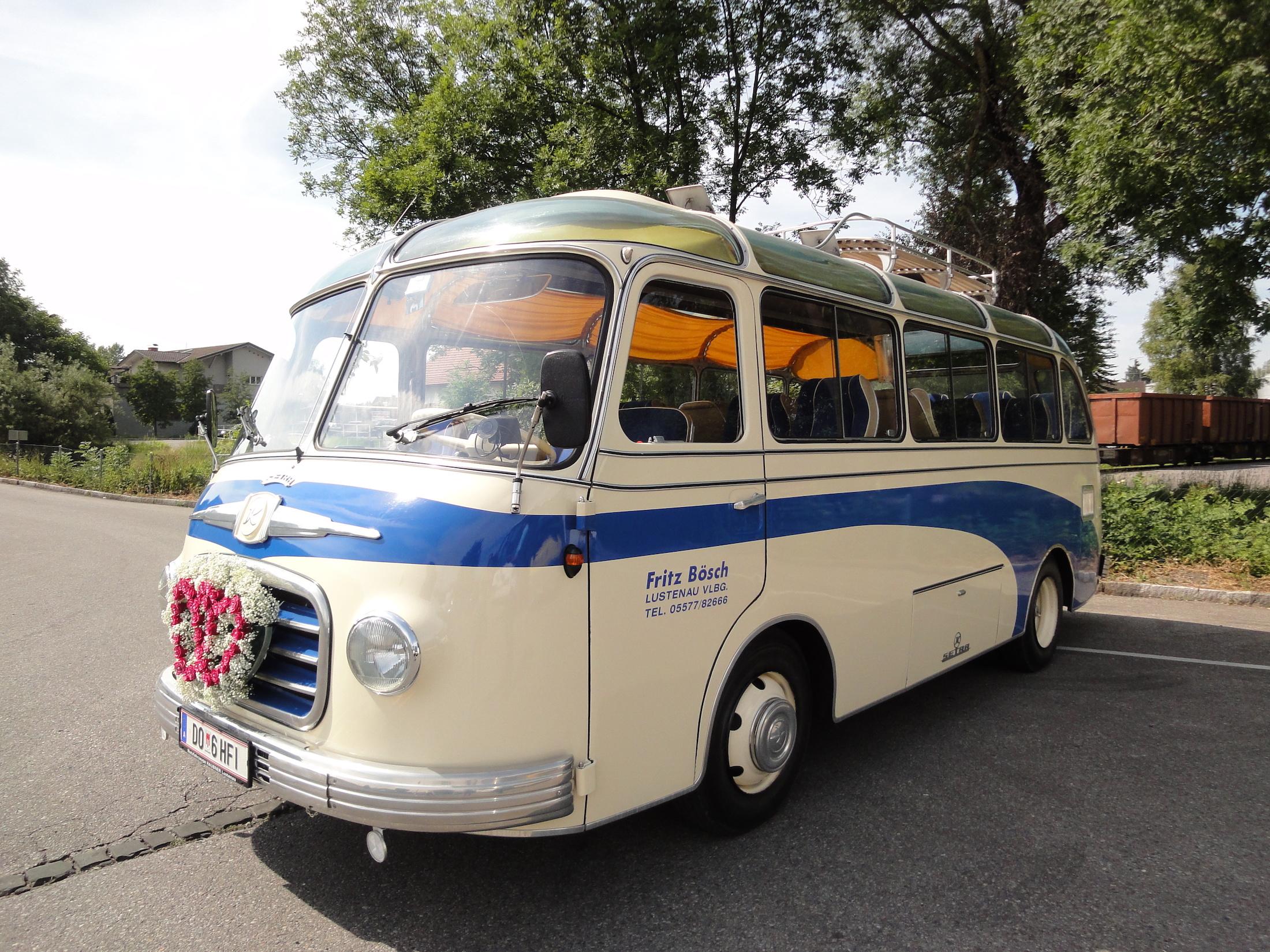 """Hochzeits-Fahrzeug von """"Bösch Reisen"""""""