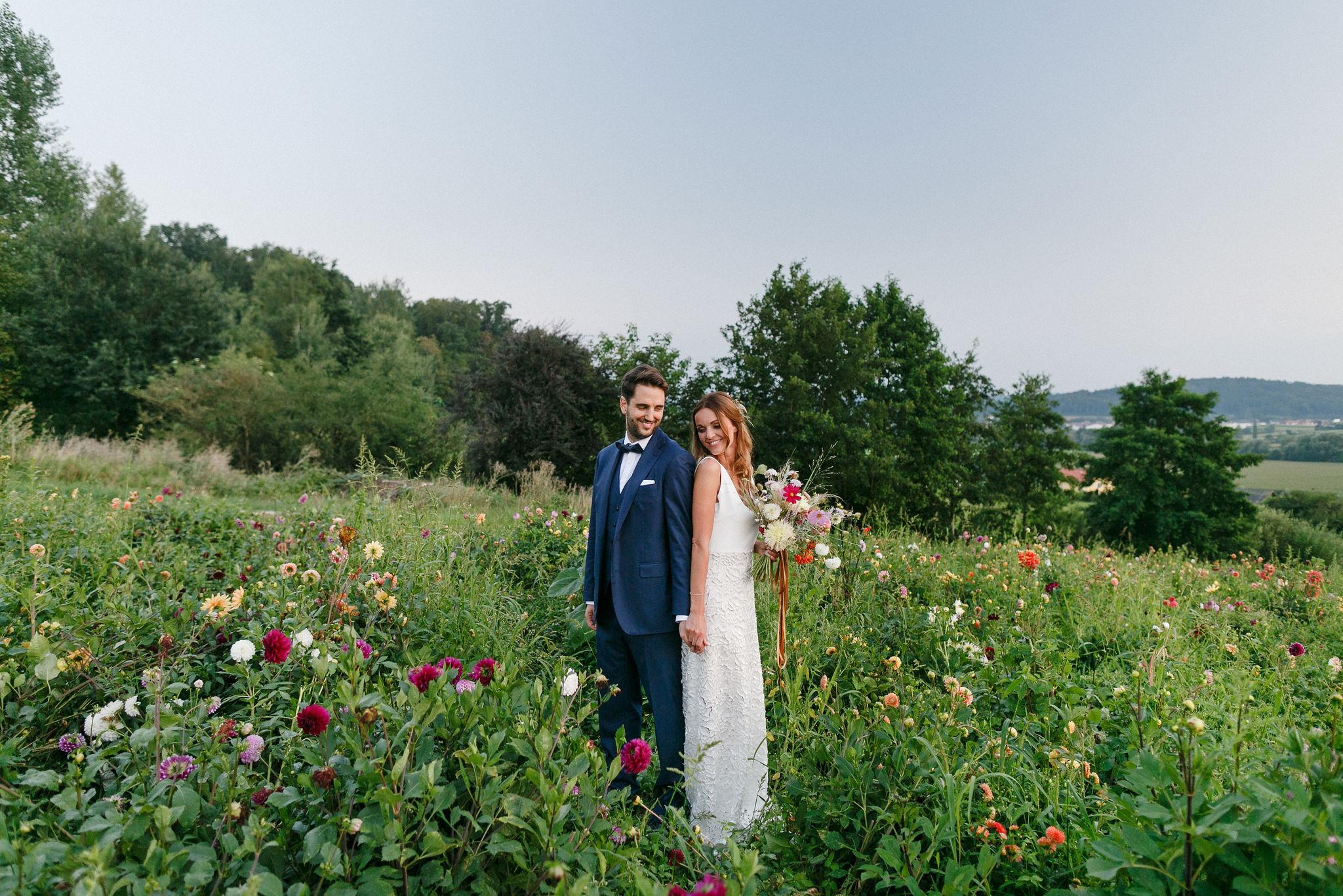 Ode an die Freiheit: Hochzeit auf der Blumenwiese