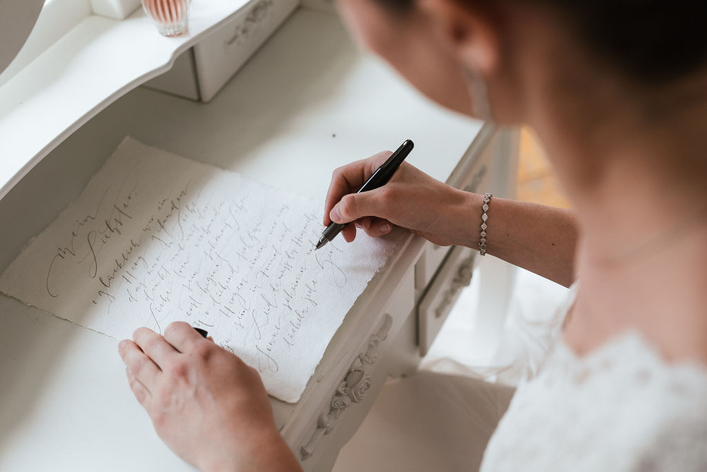 Wie schreibt man ein Eheversprechen / Gelübde?
