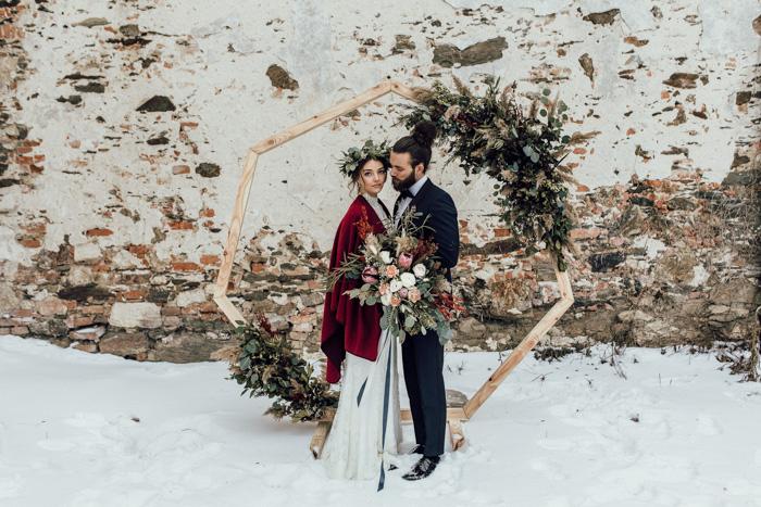 Boho meets nostalgic elegance: A magical winter wedding
