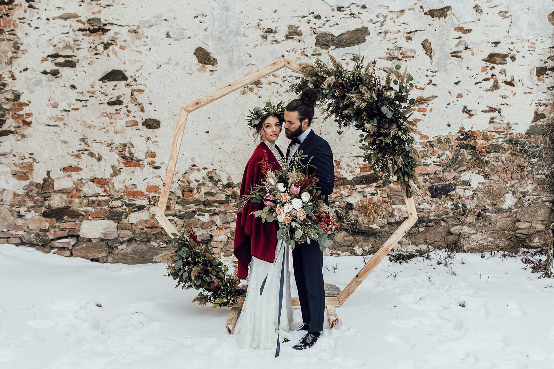 Boho trifft nostalgische Eleganz: Eine magische Winterhochzeit