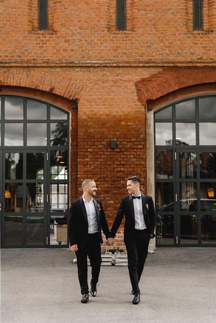 Minimalistische Hochzeitsromantik in der Alten Scheune Grafenegg
