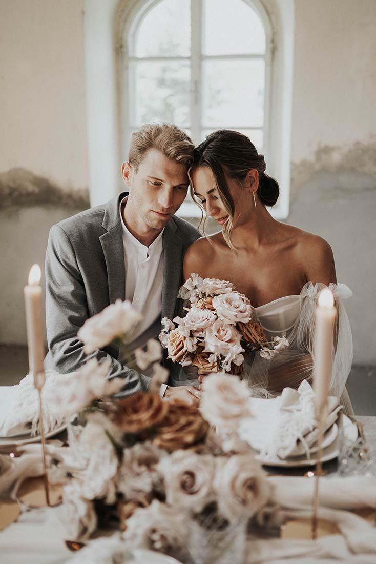 Zeitlose Noblesse: Puristisch-romantische Hochzeit in Salzburg