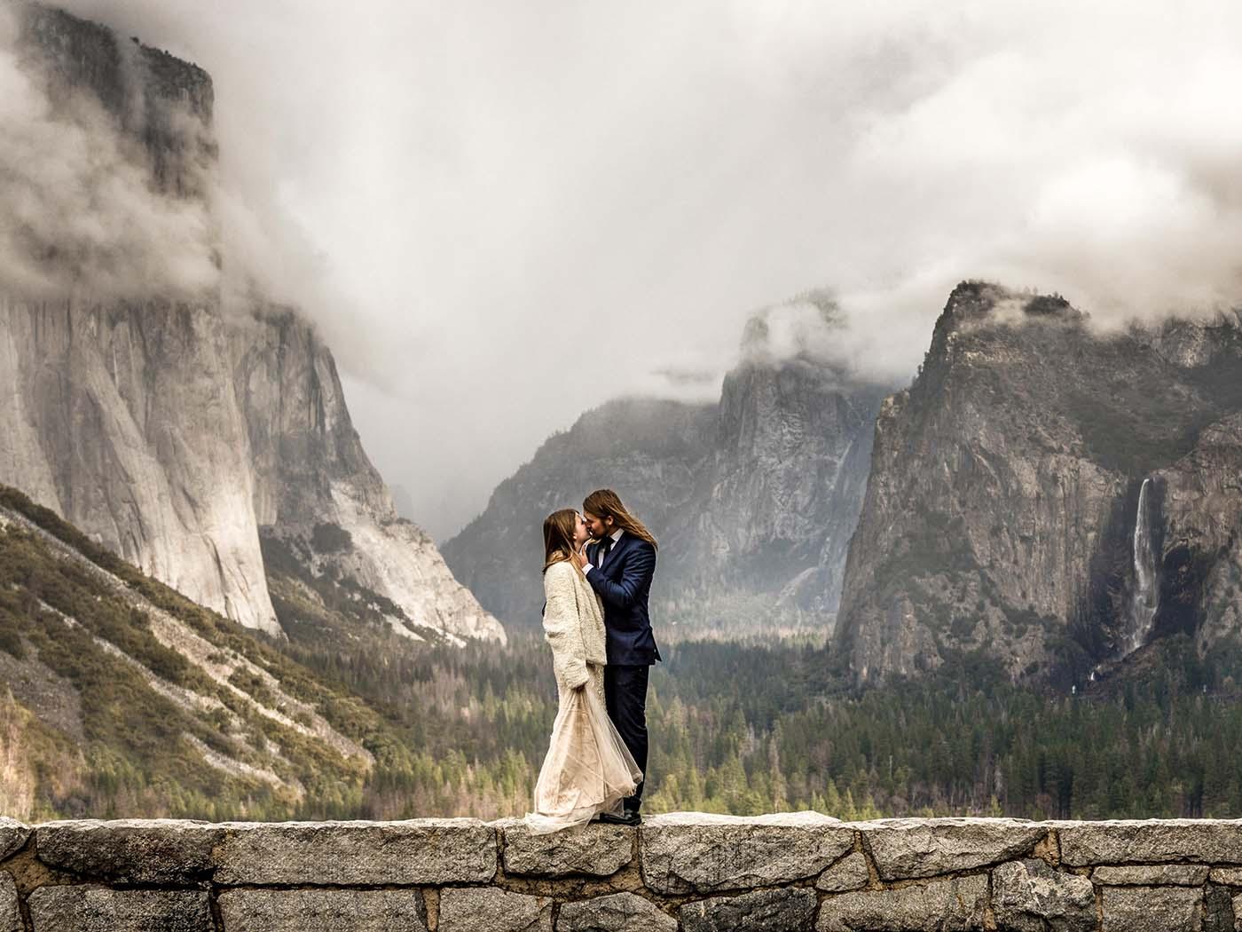 Wild Embrace | Hochzeitsfotografie
